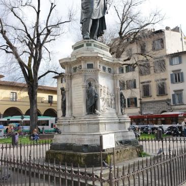 Statue of Medici