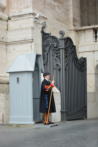 Swiss guards to guard the Pope