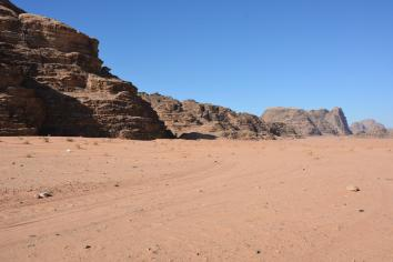 A drive into Wadi Rum