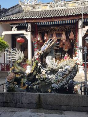 Dragon outside the Qang Kong Pagoda