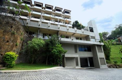 Thilanka hotel Kandy.jpg